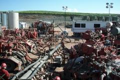 800px-Fracking_operation_web